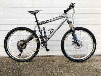 Full suspension mountain bike hire